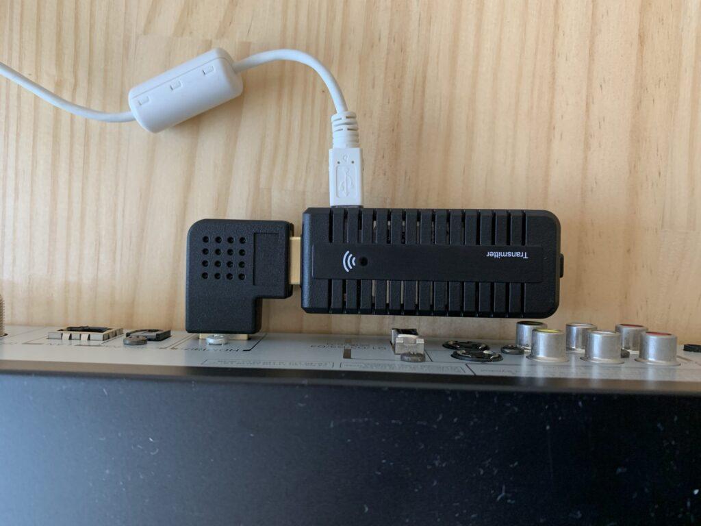レコーダに接続したLDE-WHDI202TR(送信機)